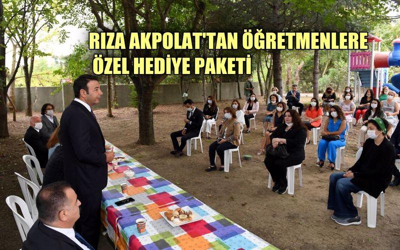 Beşiktaş Belediye Başkanı Rıza Akpolat'tan öğretmenlere özel hediye paketi