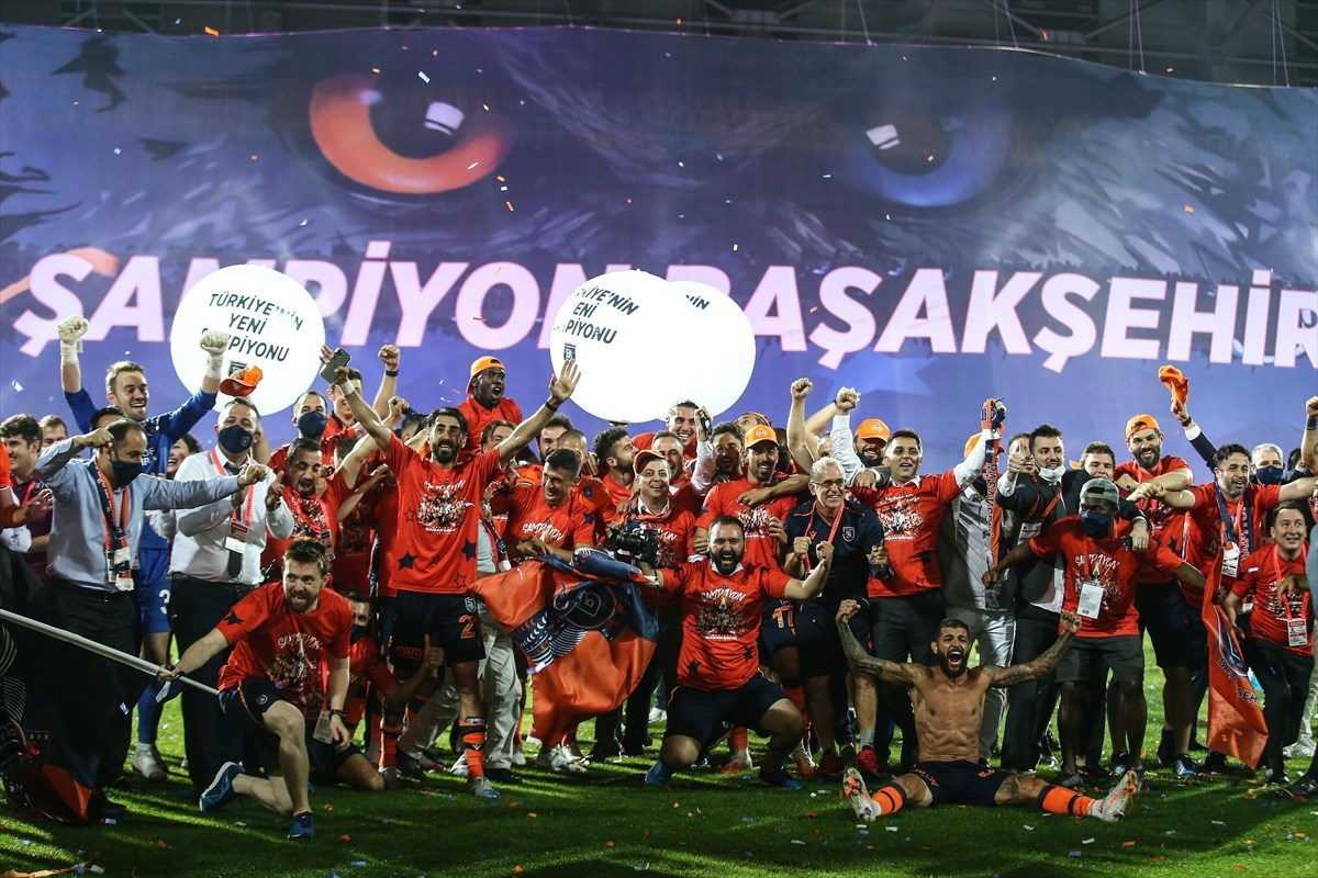 2019-2020 Süper Lig şampiyonu Başakşehir oldu