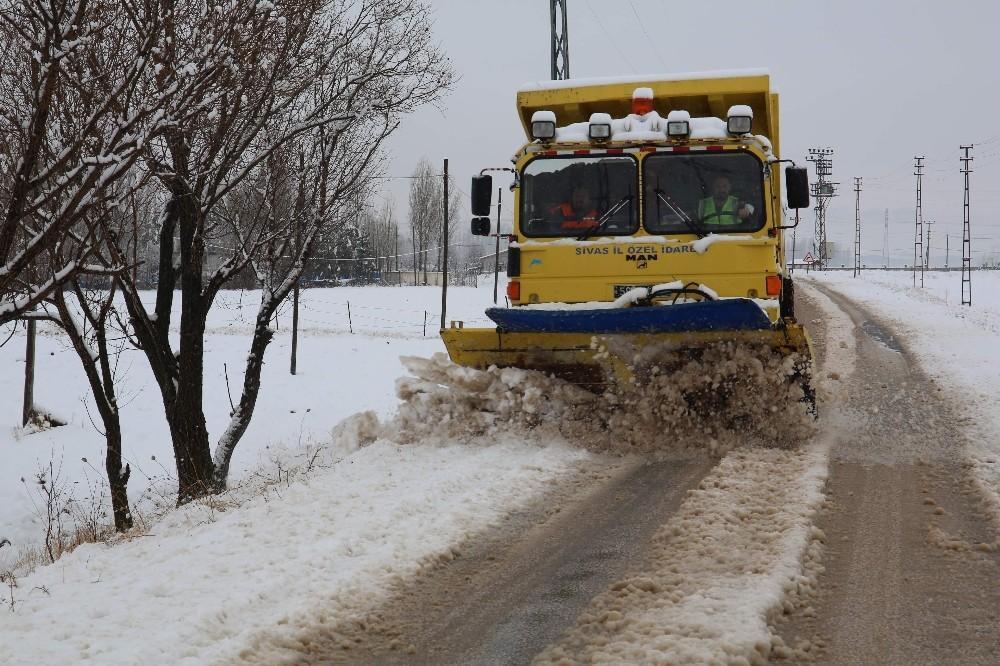 37 köy yolu ulaşıma kapandı