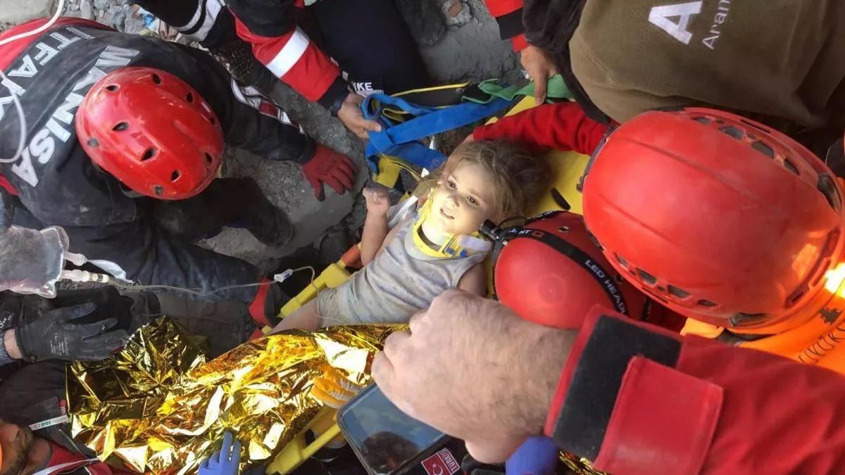 91. saatte 4 yaşındaki Ayda Zengin kurtarıldı