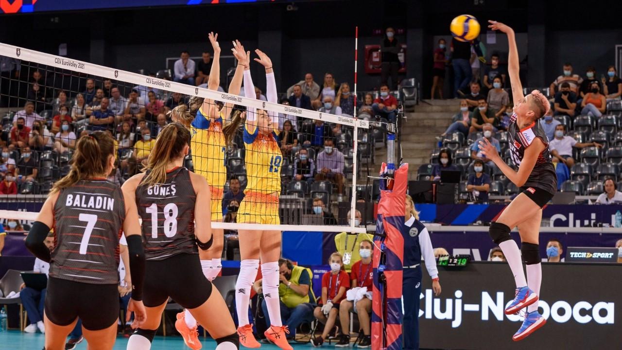A Milli Kadın Voleybol Takımı, Romanya'yı yendi