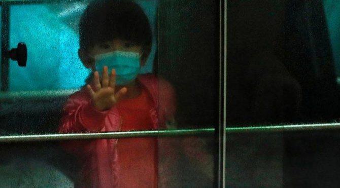 ABD'de aynı okul bölgesindeki 800 çocuk Kovid-19 şüphesiyle karantinaya alındı