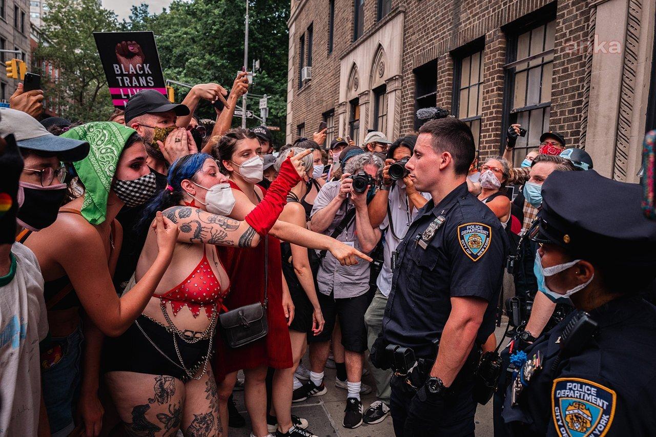 ABD'de Onur Yürüyüşü'ne polis müdahale etti