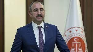 Adalet Bakanı Gül: Yanan yerlere bir çivi bile çakılmayacak
