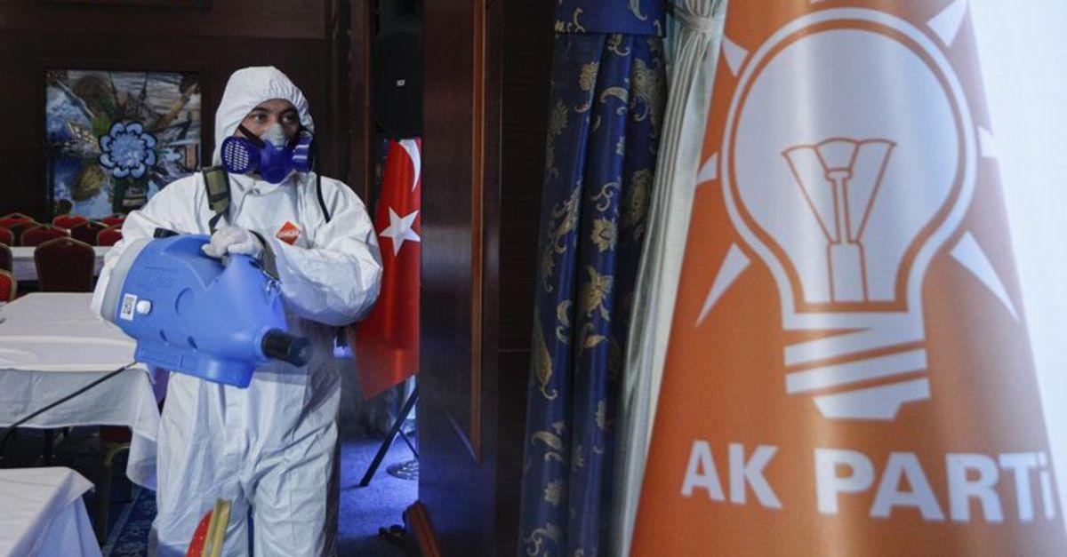 AK Parti grubunda korona çıktı!