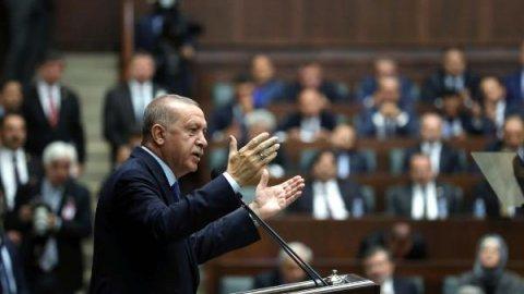 AK Parti grup toplantısı ertelendi