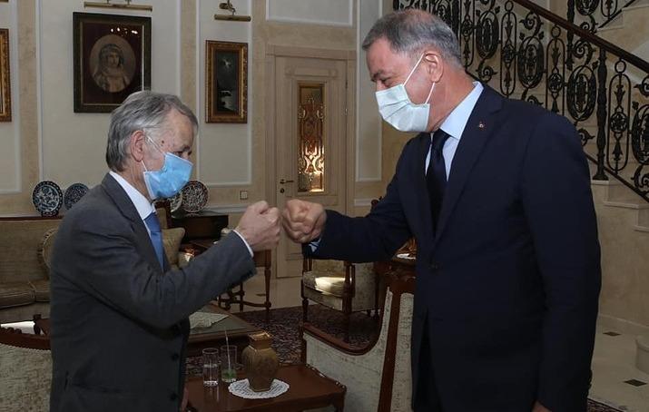 Akar, Ukrayna'da Kırımoğlu ve Umerov ile görüştü