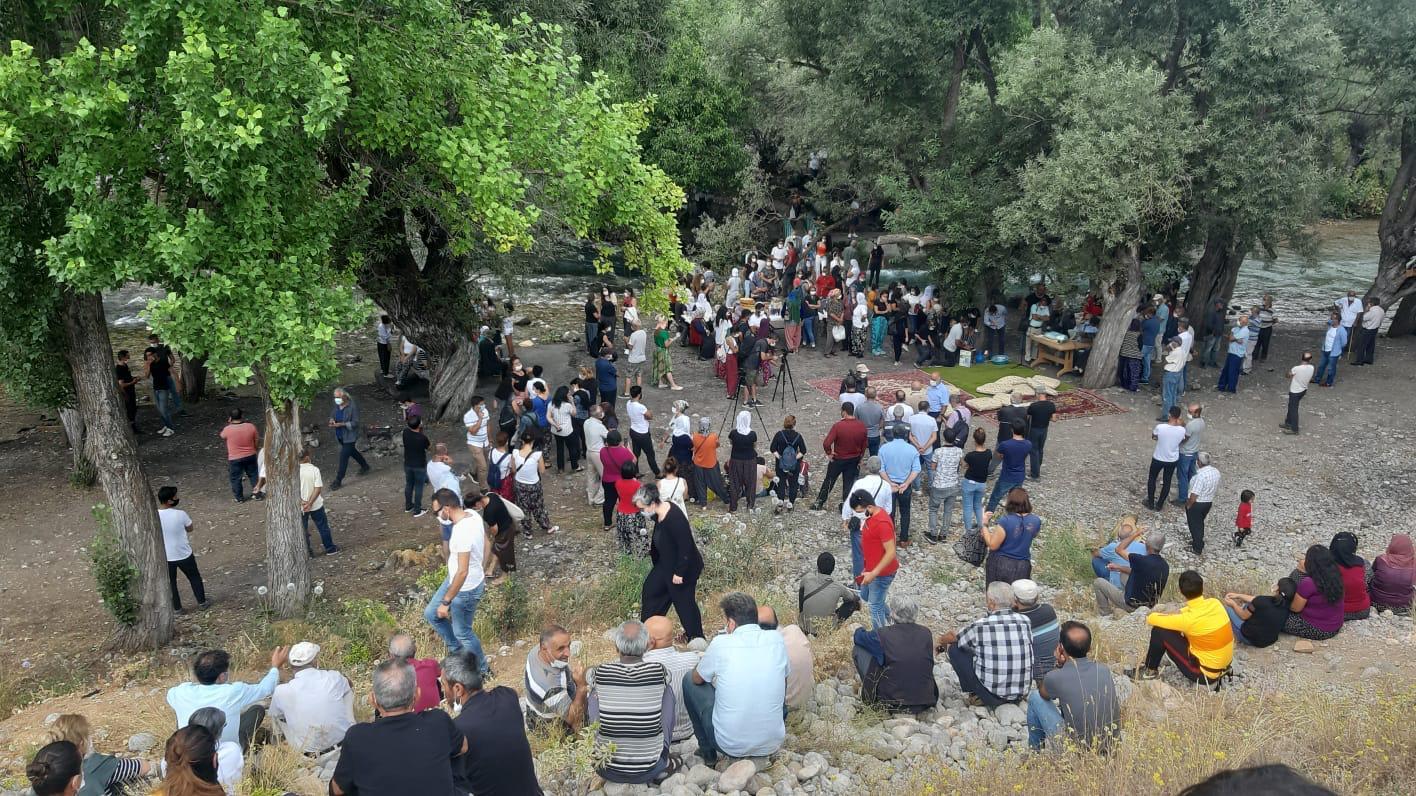 Alevilerin kutsal mekanlarından Munzur Gözeleri'ndeki projeye karşı Birlik Cemi yapıldı