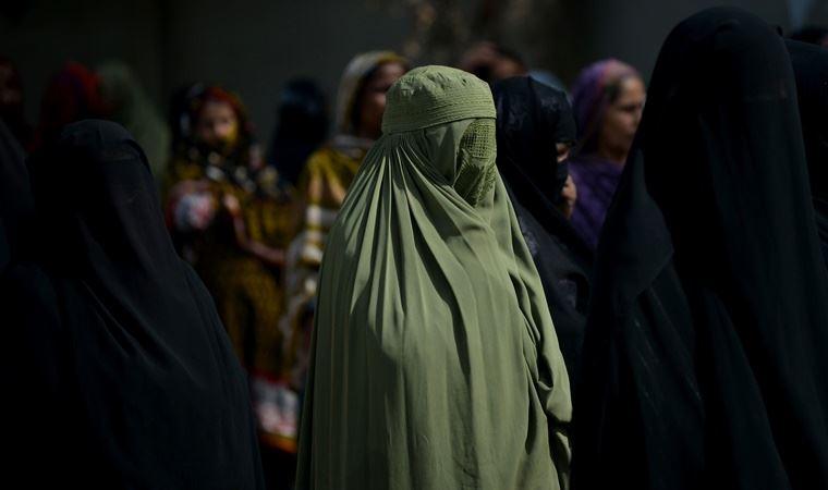 Almanya'daki bir eyalette, çocuklara burka giydirilmesi yasaklandı