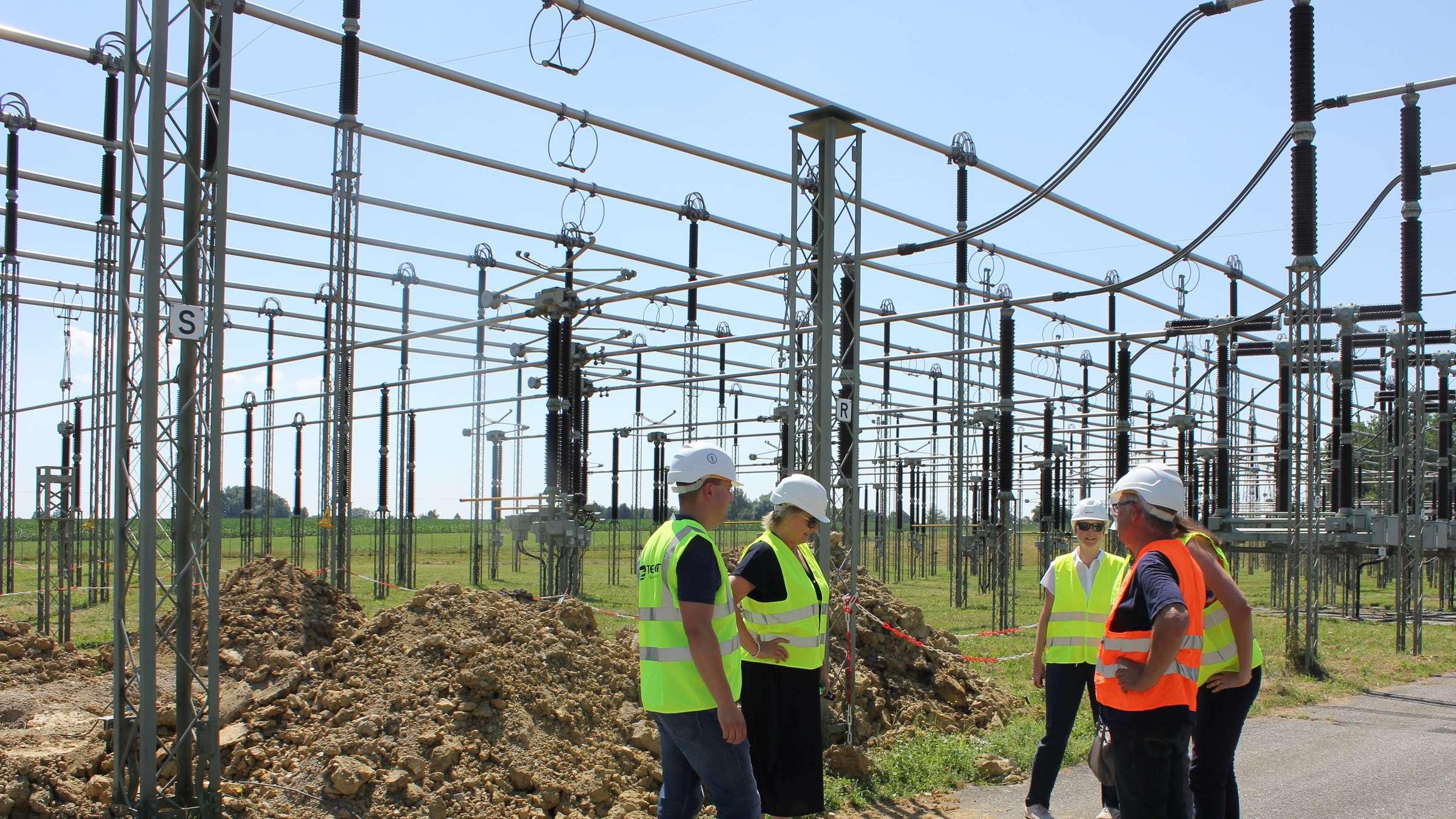 Almanya enerji politikasını ABD'den bağımsız belirleyecek