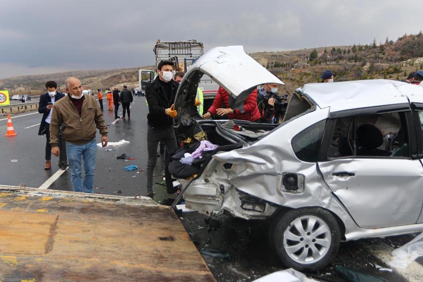 Ankara'da 9 aracın karıştığı zincirleme trafik kazası: 4 kişi öldü