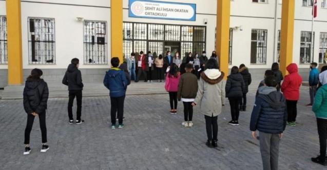 Ankara'da din kültürü öğretmeni derste Alevi öğrencileri hedef aldı