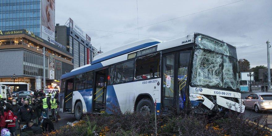 Ankara'da iki otobüs çarpıştı: 17 yaralı