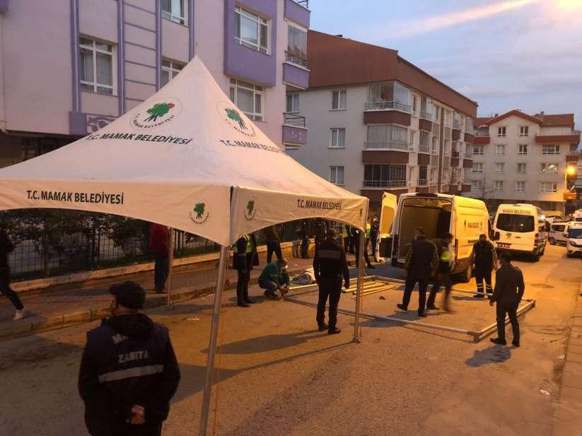 Ankara'da otoparkı çöken 3 katlı apartman tahliye edildi