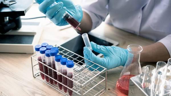 Antikor araştırması: Moderna aşısında Pfizer-BioNTech'ten iki kat fazla