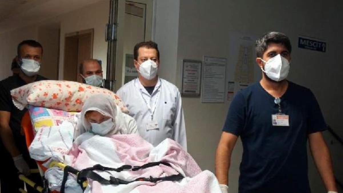 Aşılarını olan 108 yaşındaki hasta, koronavirüsü yendi