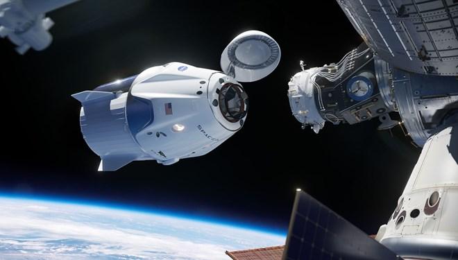Astronotlar 'uzayda kalma' rekoru kırdı
