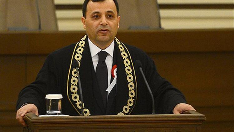 AYM Başkanı Arslan karantinaya girdi