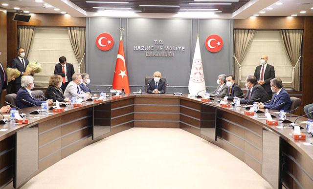 Bakan Elvan, görevine başladı: Cumhurbaşkanı'mıza şükranlarımı sunuyorum