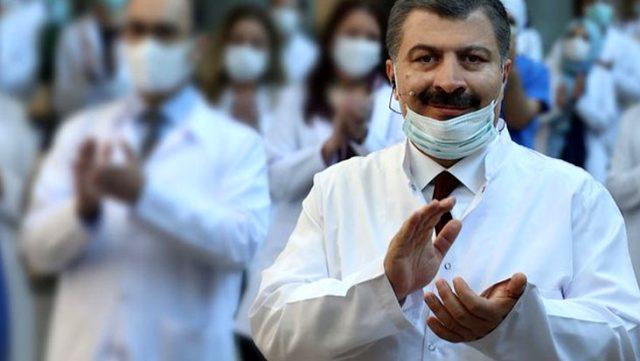 Bakan Koca'dan test sonucu pozitif çıkan hastalara 'dışarıya çıkmayın' uyarısı