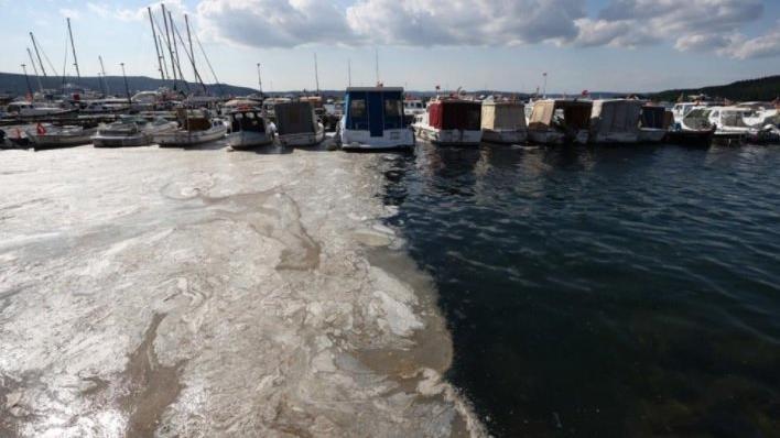 Bakan Kurum: 5 bin 738 metreküp müsilajı Marmara'dan temizledik