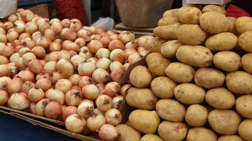 Bakan Pakdemirli: İhtiyaç sahiplerine patates ve kuru soğan dağıtacağız