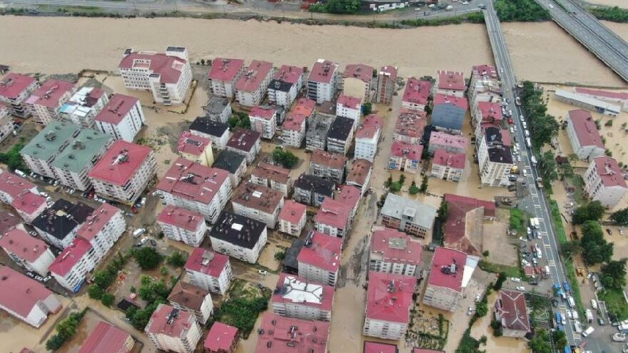 Bakan Pakdemirli sel bölgesinde: Vatandaşımız kendini korumanın yollarını arayacak