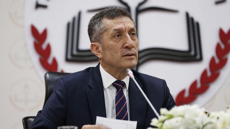 Bakan Selçuk'tan önemli açıklamalar: Dijital karne söz konusu