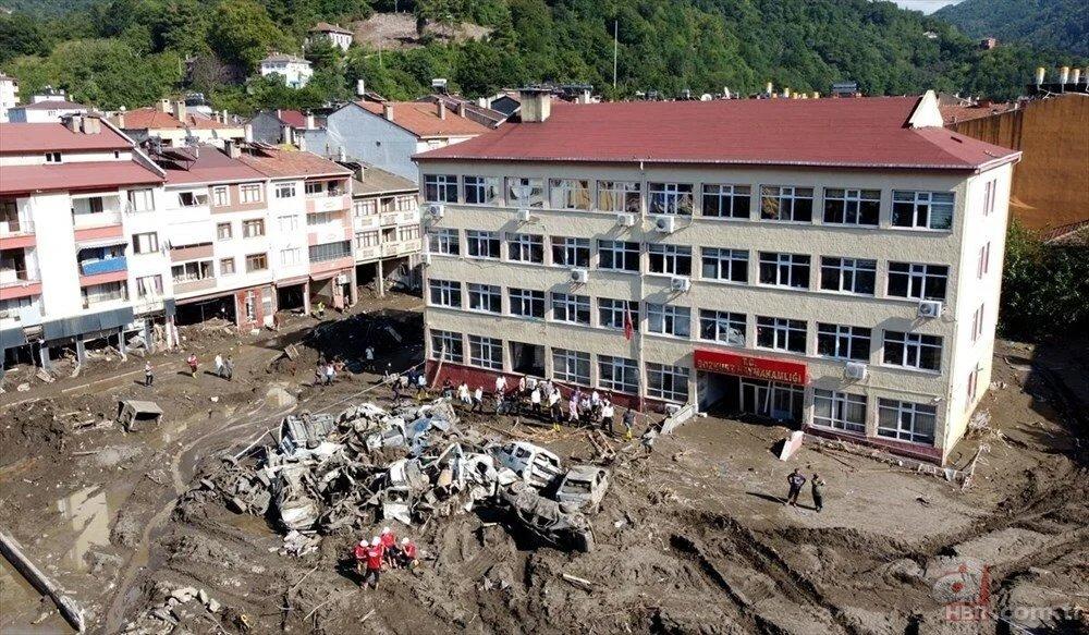Batı Karadeniz'de sel felaketi: 3 ilde 77 can kaybı