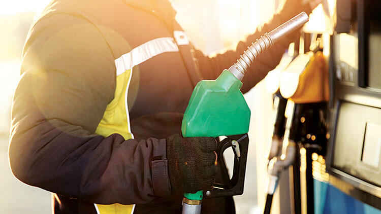 Benzine 24 kuruş, motorine 23 kuruş zam!