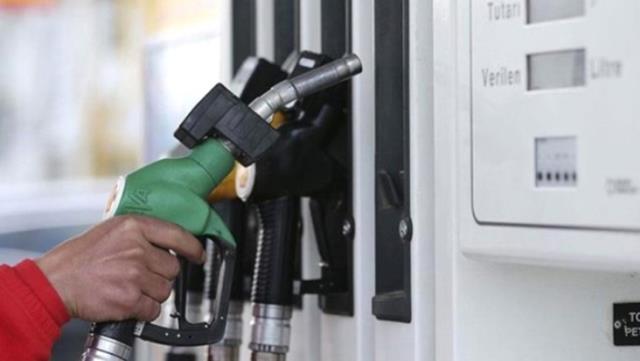 Benzine indirimin ardından 11 kuruş zam