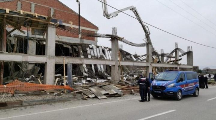 Beton dökümü sırasında inşaat çöktü: 4 işçi yaralandı