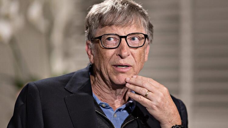 Bill Gates'ten mutasyona karşı 'üçüncü doz' aşı uyarısı