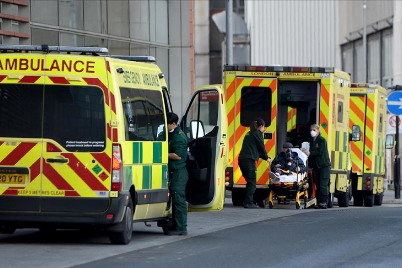 Birleşik Krallık'ta vaka sayısı 4 ayın en yüksek seviyesine ulaştı