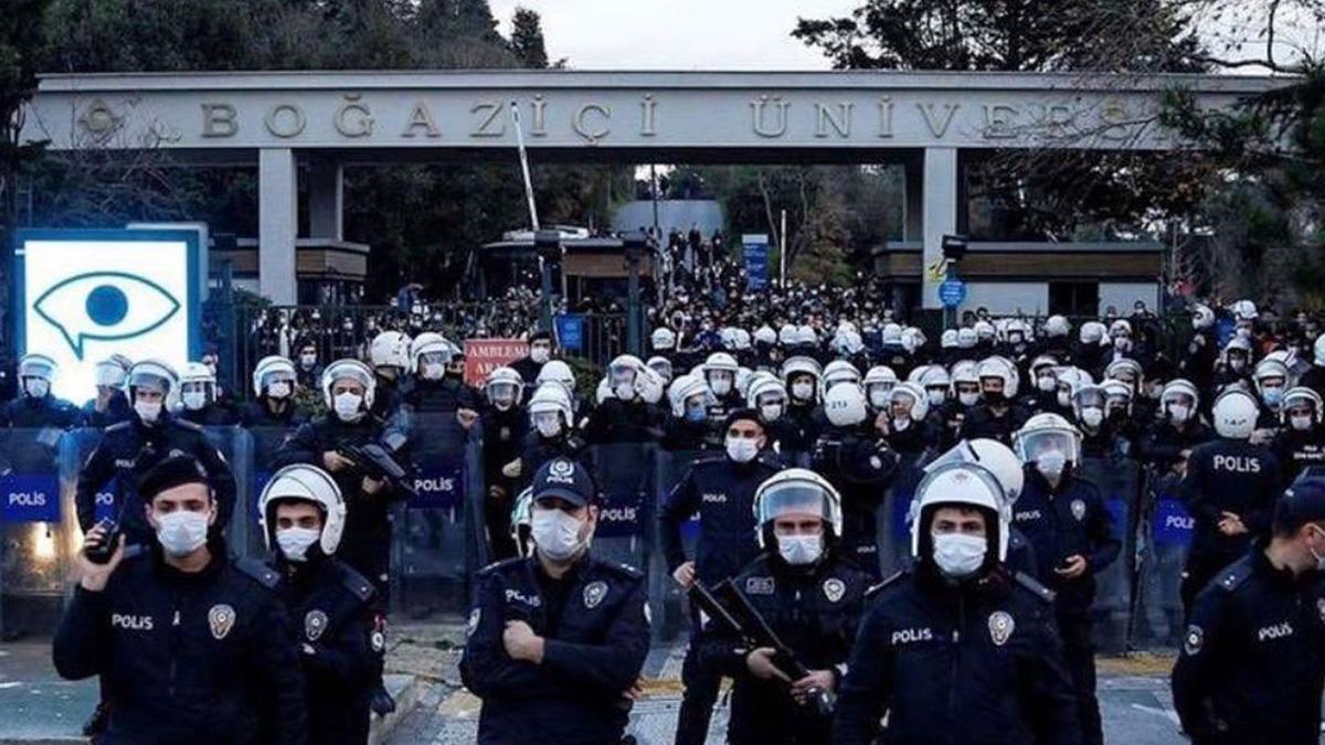 Boğaziçi protestolarında gözaltına alınan 24 kişi adliyeye sevk edildi