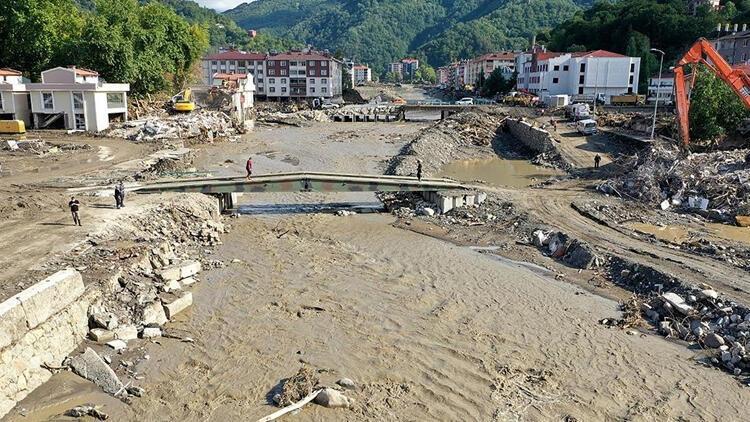 Selin vurduğu Bozkurt'tan 13 bin kamyon çamur çıkarıldı