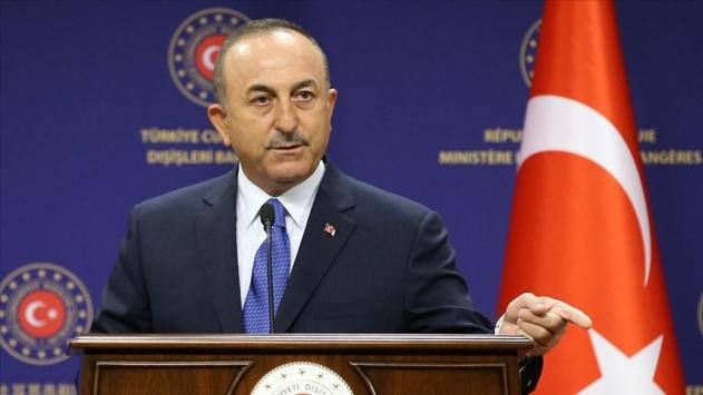 Çavuşoğlu: Ermenistan, Azerbaycan topraklarından çekilmeli