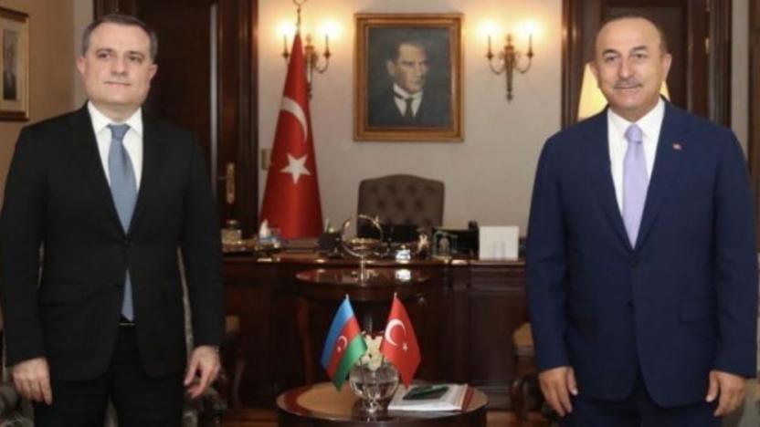 Çavuşoğlu: Sıkışan Ermenistan sivil yerleşimlere saldırmaya başladı