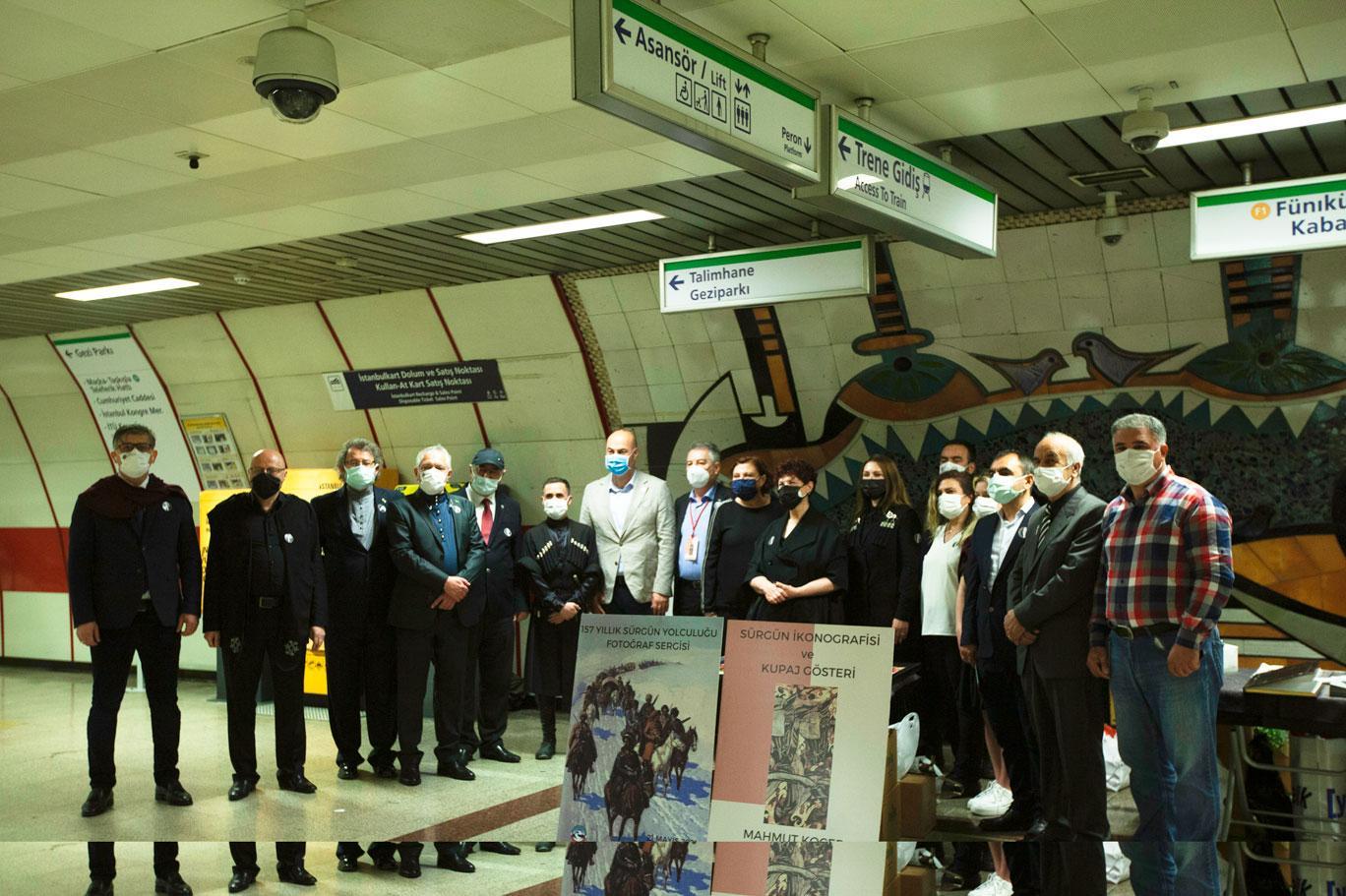 """""""Çerkes Sürgün İkonografisi ve Fotoğraf Sergisi"""" Taksim Metrosu'nda açıldı"""