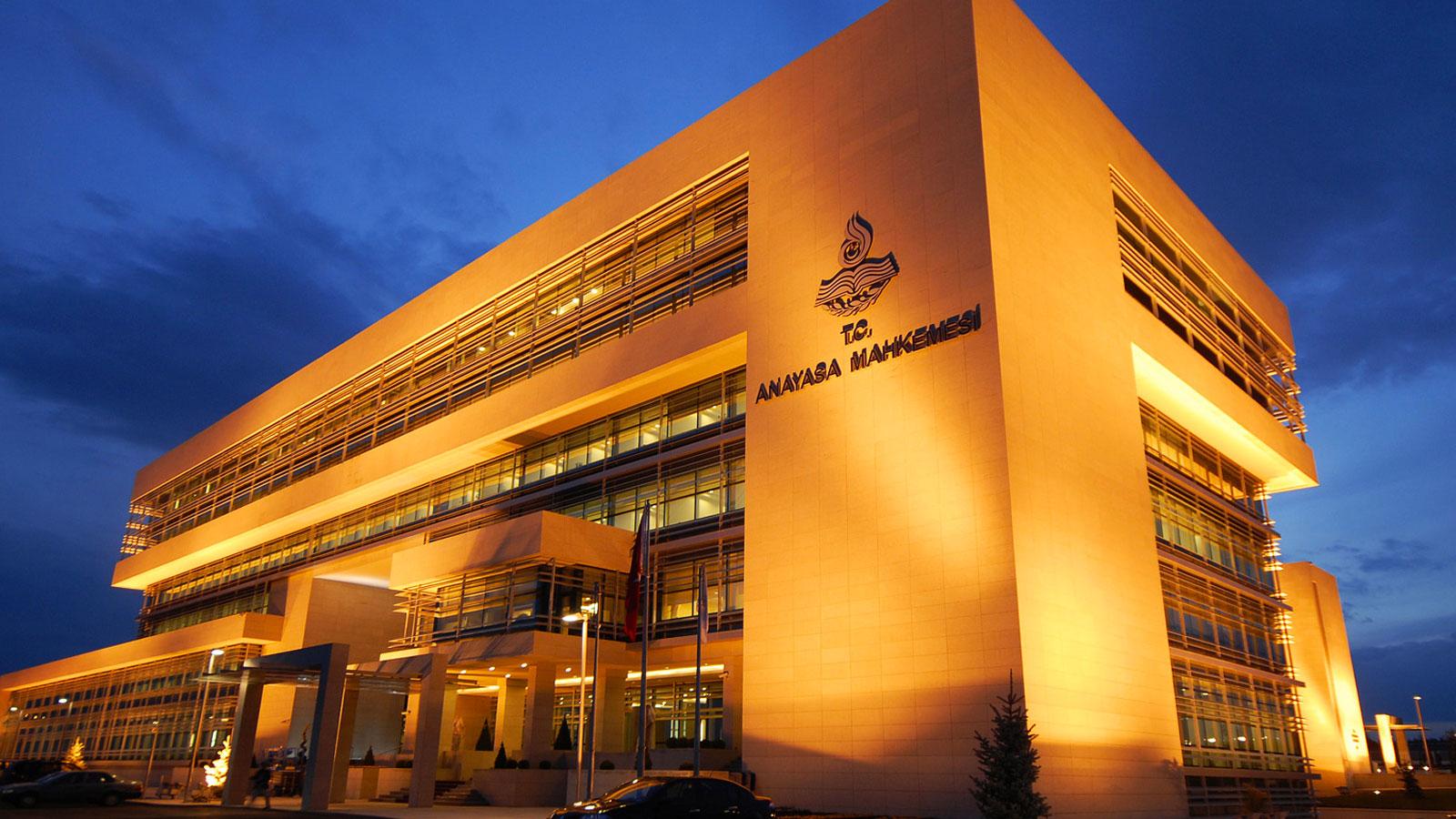 CHP 'çoklu baro' kanununu Anayasa Mahkemesi'ne götürüyor