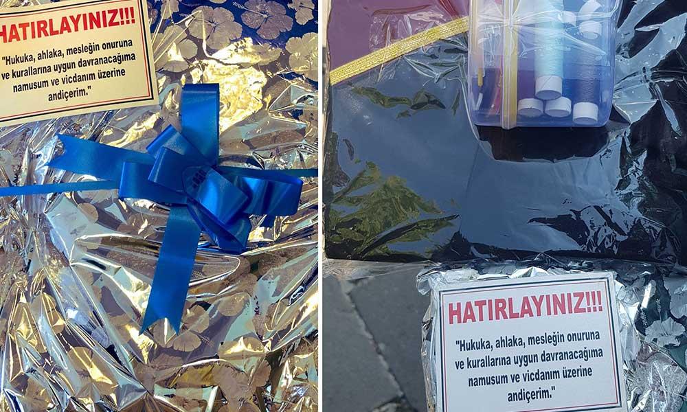 CHP'den 'düğmeli cübbe' protestosu: AK Parti'li ve MHP'li vekillere dikiş seti