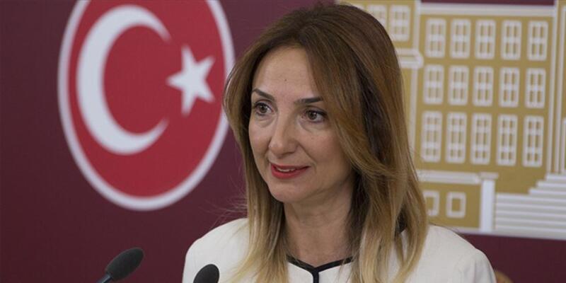 CHP Kadın Kolları Genel Başkanlığı'na seçilen Aylin Nazlıaka'dan ilk talimat