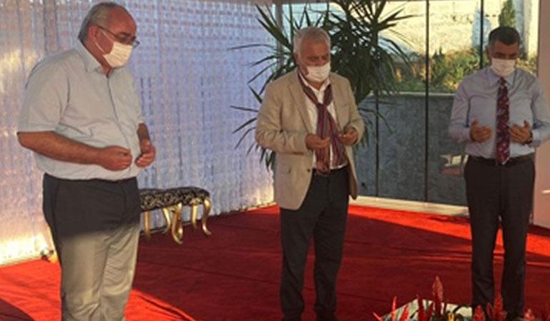 CHP'li vekiller, Prof. Dr. Haydar Baş'ın kabrini ziyaret etti