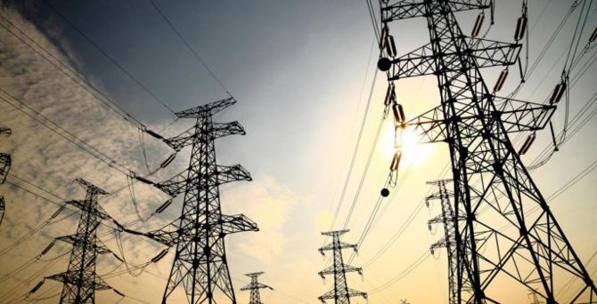 Çiftçinin elektriğini kesen dağıtım şirketleri, 11 yıldır borcunu ödememiş