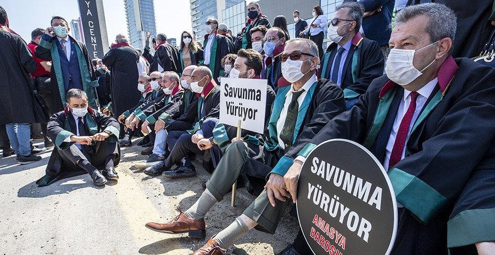 'Çoklu baro' eylemine katılan avukatlara soruşturma