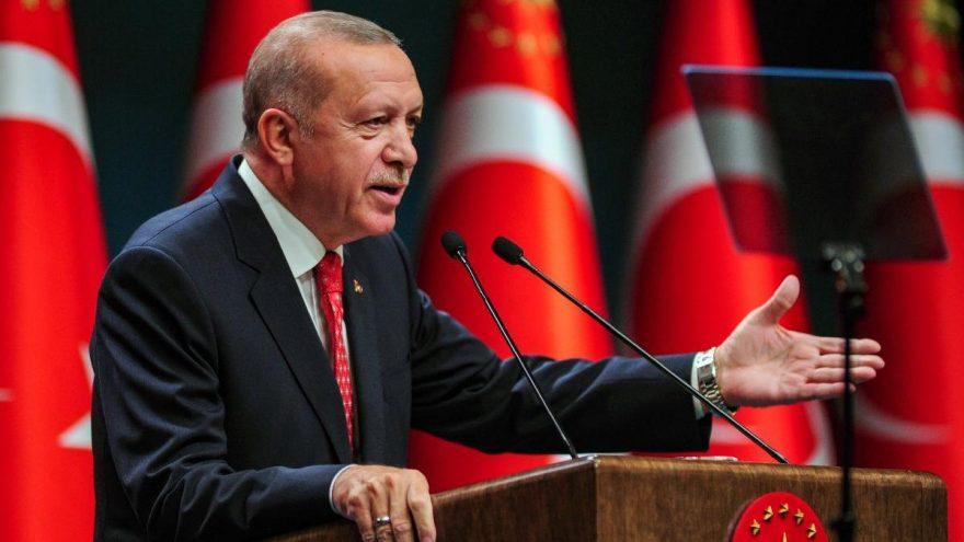 Erdoğan: Kimse kendini dev aynasında görmemeli, şov peşinde de koşmamalı