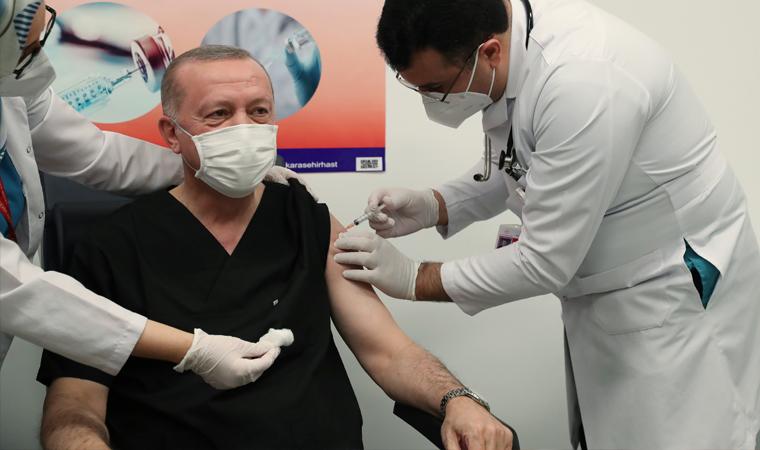 Cumhurbaşkanı Erdoğan, Ankara Şehir Hastanesi'nde koronavirüs aşısı oldu