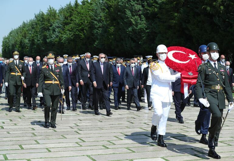 Devlet erkanı 30 Ağustos'un 99. yılında Anıtkabir'e çıktı