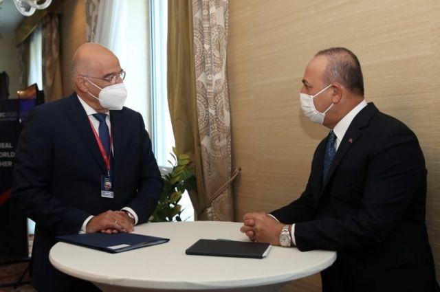 Dışişleri Bakanı Çavuşoğlu, Yunan mevkidaşıyla bir araya geldi