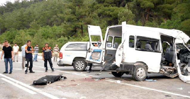 Diyarbakır'da trafik kazası: 1 ölü, 19 yaralı